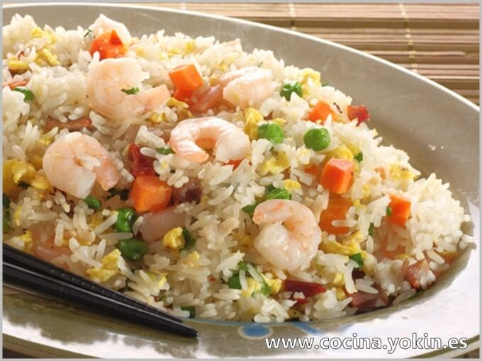 SHRIMP FRIED RICE - This recipe is an interpretation of the original. I wanted to adapt in a simple way so that everyone can do it at home.