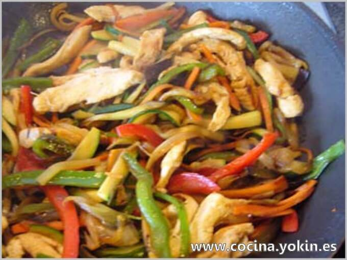 CHICKEN AND VEGETABLES - A very colorful, healthy and easy to eat dish. It